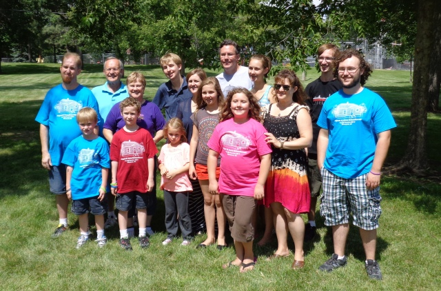 The (almost) whole gang (WITH Mom!) at the reunion in North Dakota